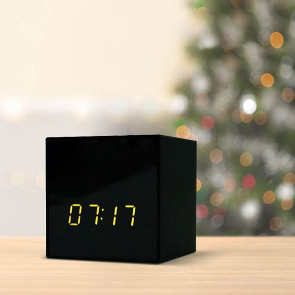 Titathink IP clock camera